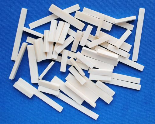 BUFFALO BONE 82 x 8 x 2mm.